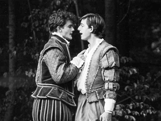 a midsummer night's dream love vs Revise and learn about the themes in shakespeare's play, a midsummer night's   shakespeare explores the lighter side of love in a midsummer night's dream.