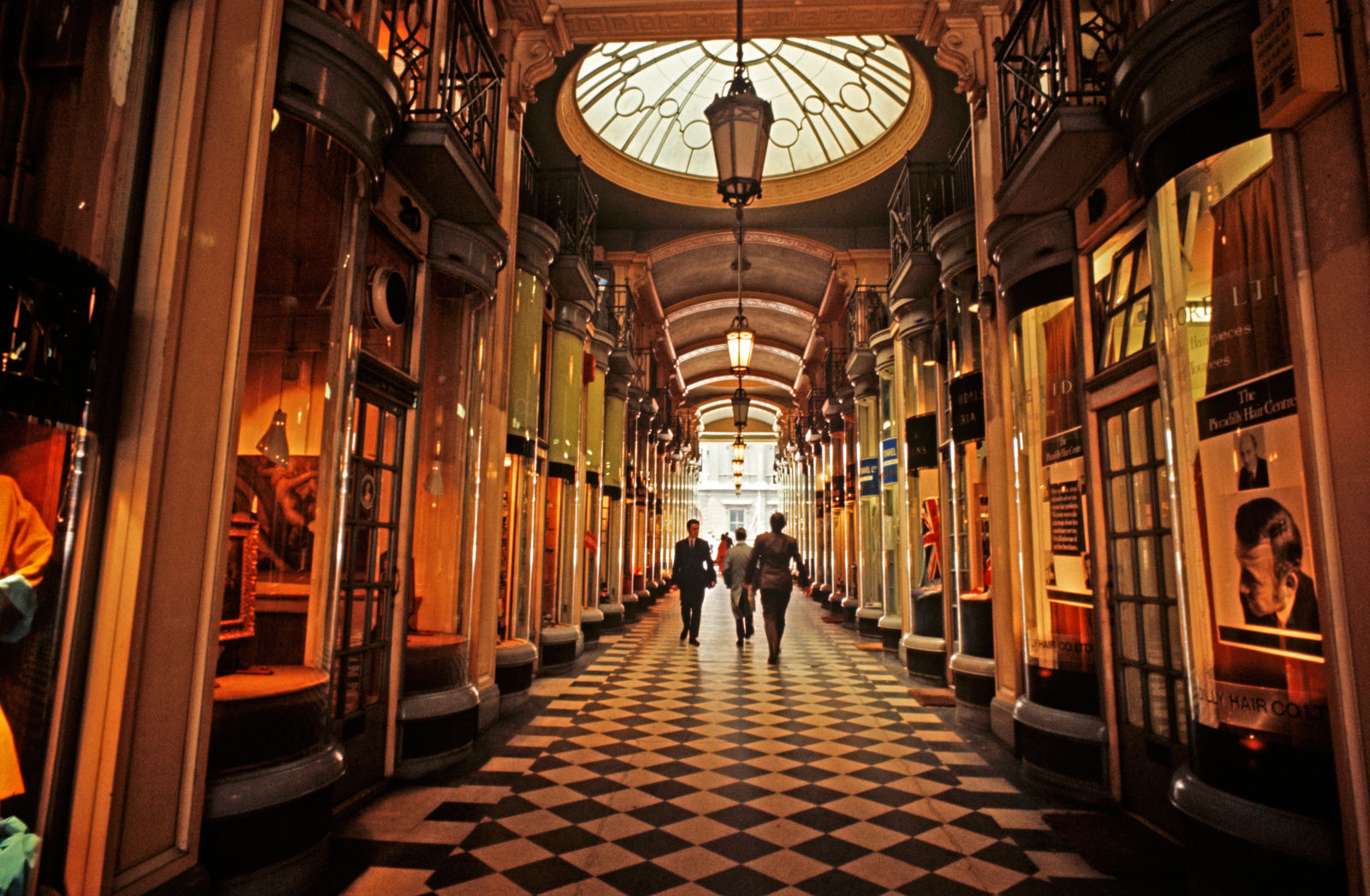 Burlington Arcade (© Getty)