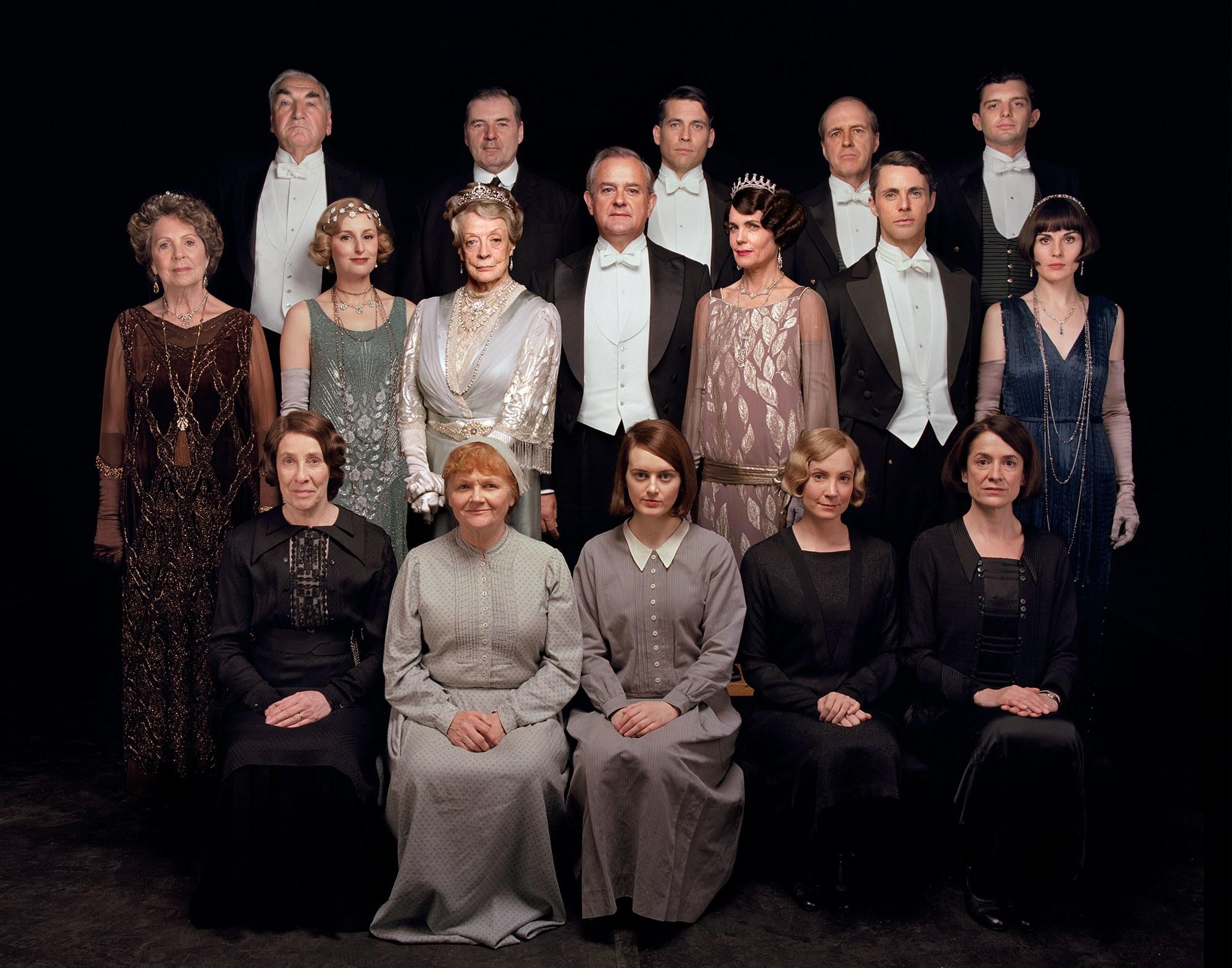 Exclusive The Downton Abbey Cast Reunites For A First Look Plus New Details On The Film Hugh Bonneville Online